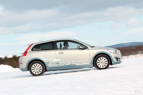 瑞典冰雪试驾沃尔沃C30电动车