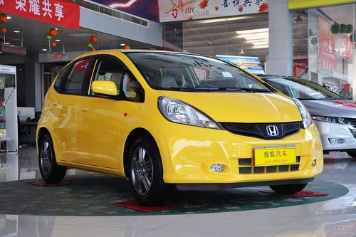 2011款广汽本田飞度1.3L自动舒适版