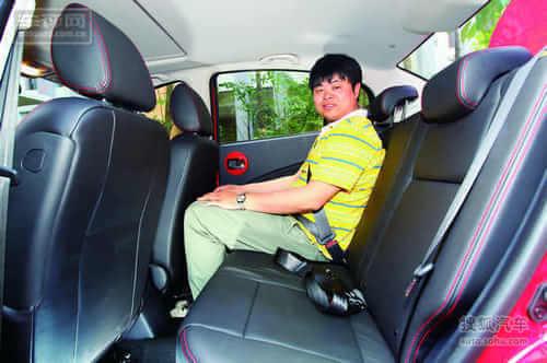 汽车博览试驾一汽欧朗1.5 AT 豪华型