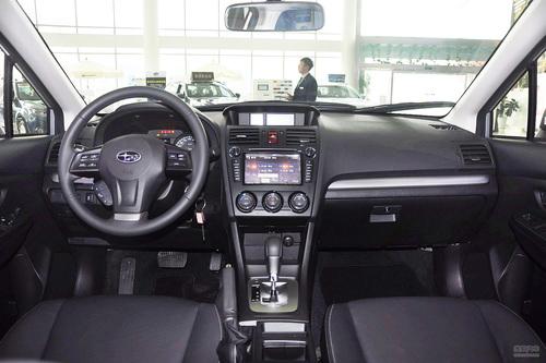 2012款斯巴鲁XV 2.0L自动豪华导航版