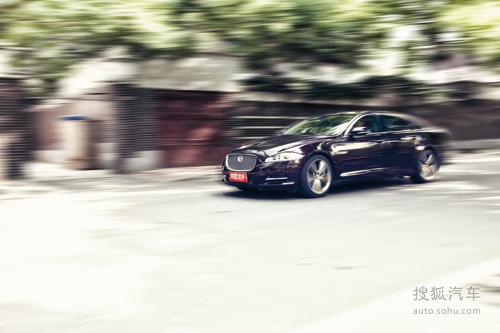 世界汽车 试驾新一代捷豹XJL高清图片