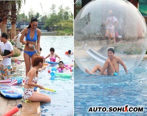泳池美女是必不可少的风景,水球倒是难倒了不少帅哥啊!