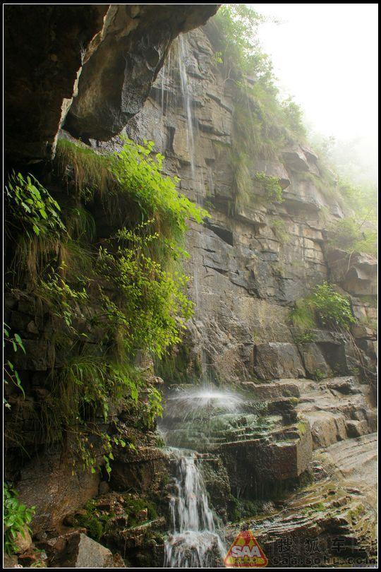 面积13平方公里,是林虑山风景名胜区中的重要景区之一,以幽谷,密林