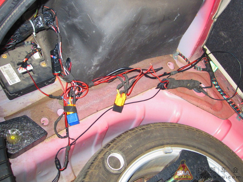 奇瑞倒车继电器接线图