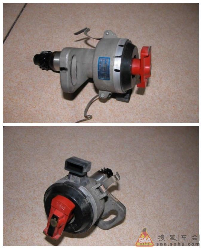 二,拆卸分电器方法:      1,先断开分电器霍尔传感器上的电线插头
