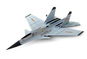 制作好的仿真纸飞机模型不但外观逼真