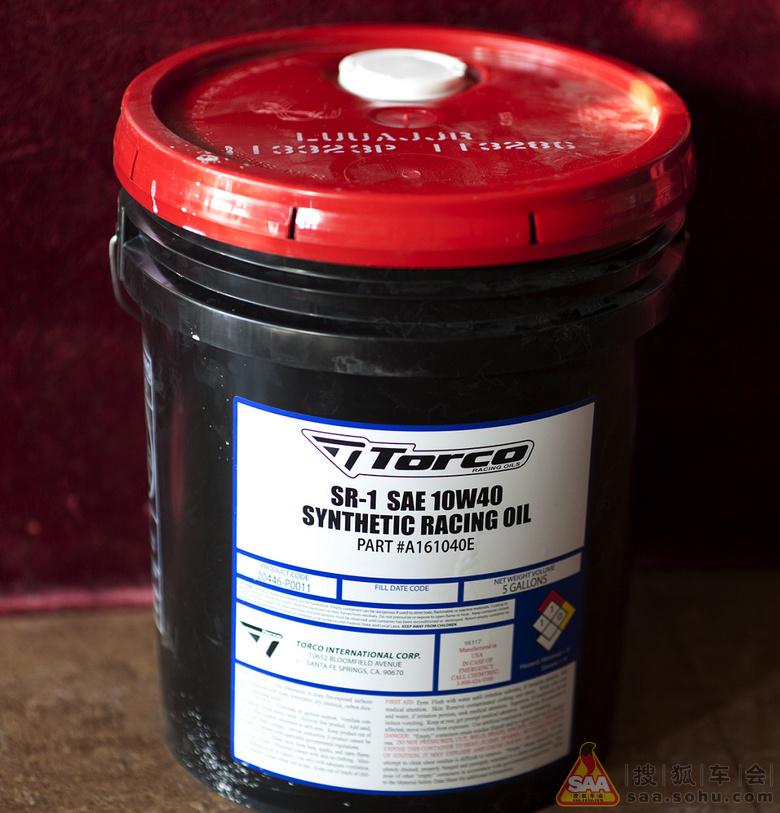 买了一大桶机油够用一年的