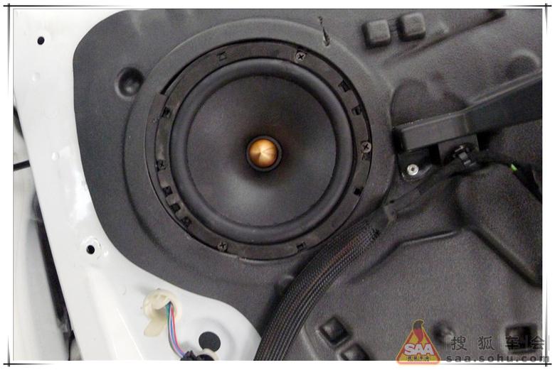 标志408音响改装 原车音响无损升级